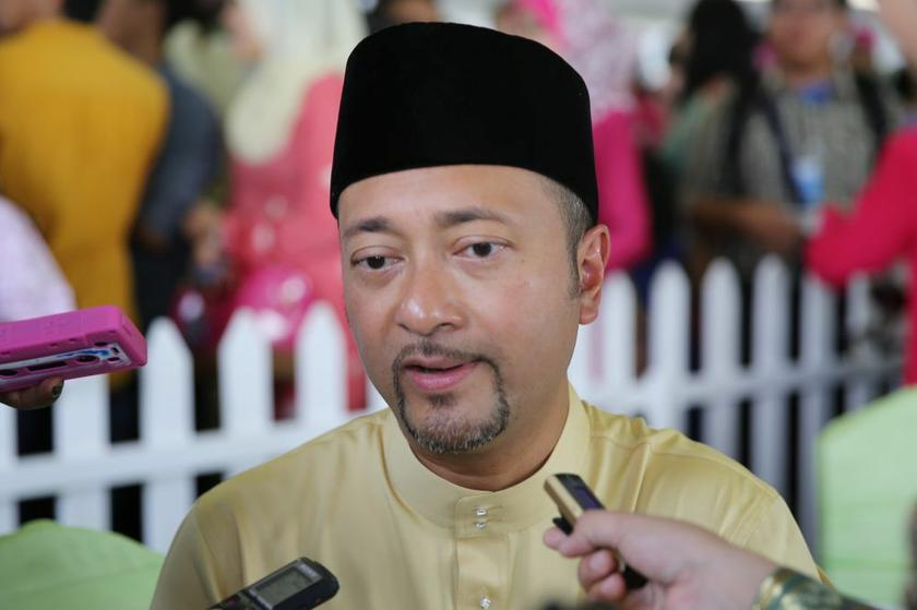 Datuk Seri Mukhriz Mahathir said the Kedah PH government proposed a special payment of RM750 to all its civil servants. — Picture by Choo Choy May