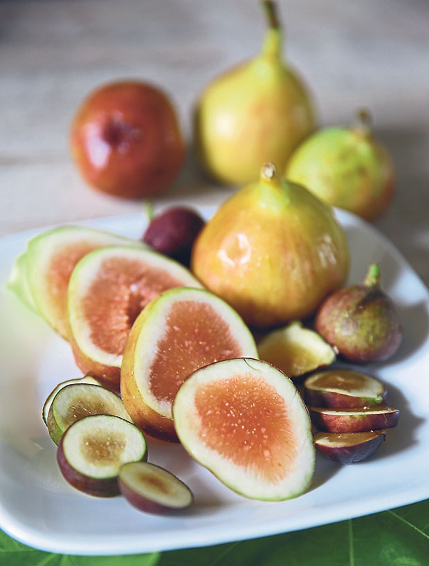 The shelf life for ripe figs is very short hence it's a luxury to taste fresh figs at optimal ripeness for their sweet luscious taste