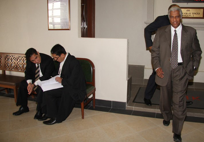 Rahman (right) had counter-sued Khalid (far left) in the High Court for misrepresentation.