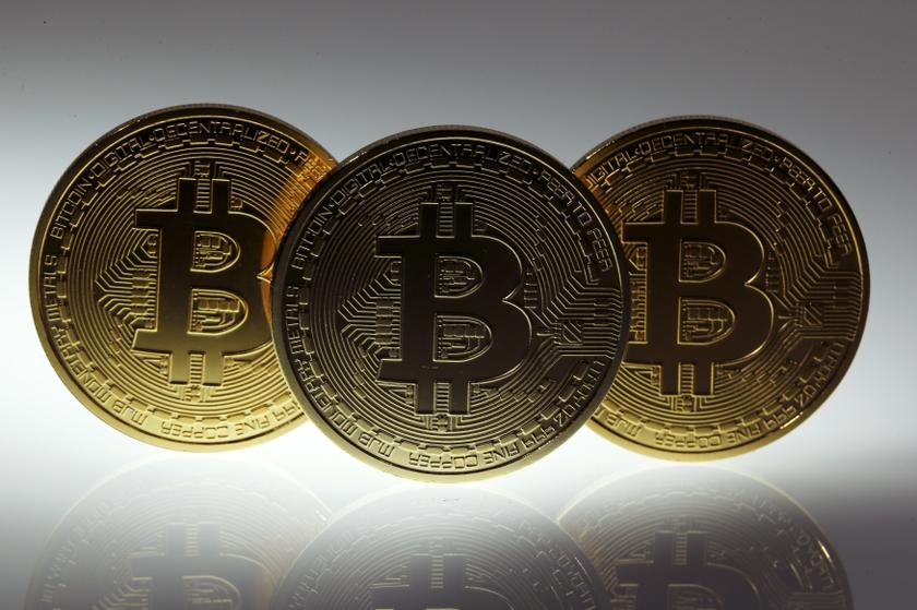 Bitcoin trades at US$33,176 following 800% surge