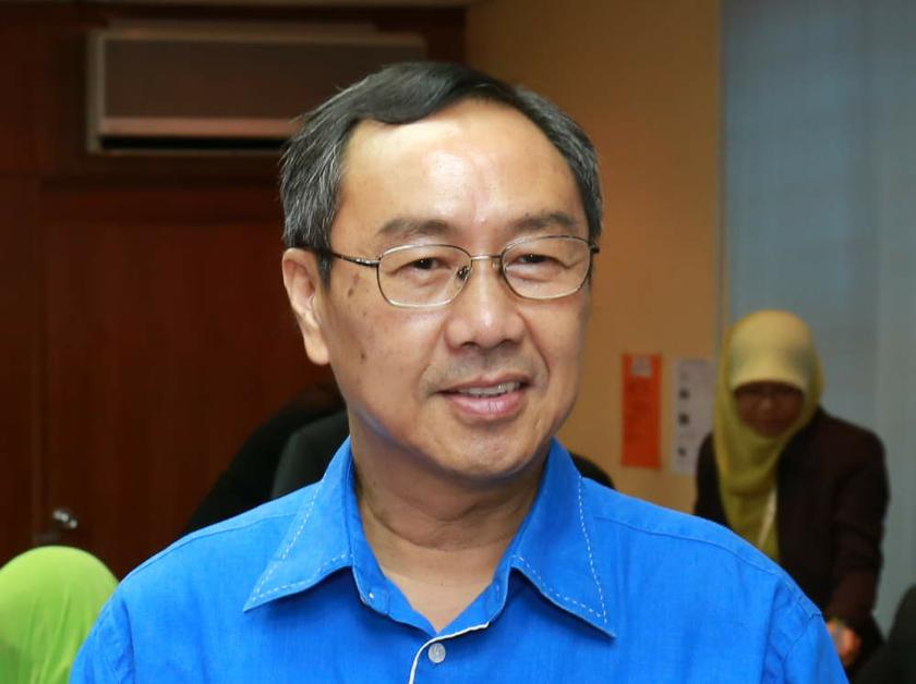 Chang called on the Najib administration to reject all forms of extremist politics and named Perkasa specifically as an enemy of multi-racial Malaysia.