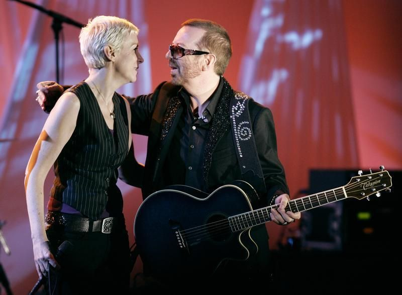 Annie Lennox and Dave Stewart (right), former members of the Eurythmics, will reunite for a performance celebrating the 50th anniversary of The Beatles' appearance on the 'Ed Sullivan Show'. ― Reuters pic