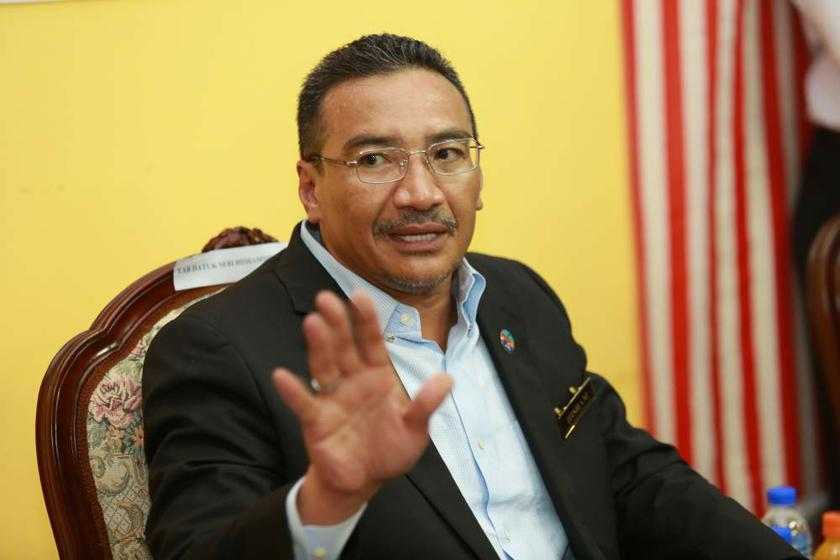 According to a new Merdeka Center survey, Malaysians prefer Defence Minister Datuk Seri Hishammuddin Hussein as a prospective prime minister over any of his Umno peers. ― File pic