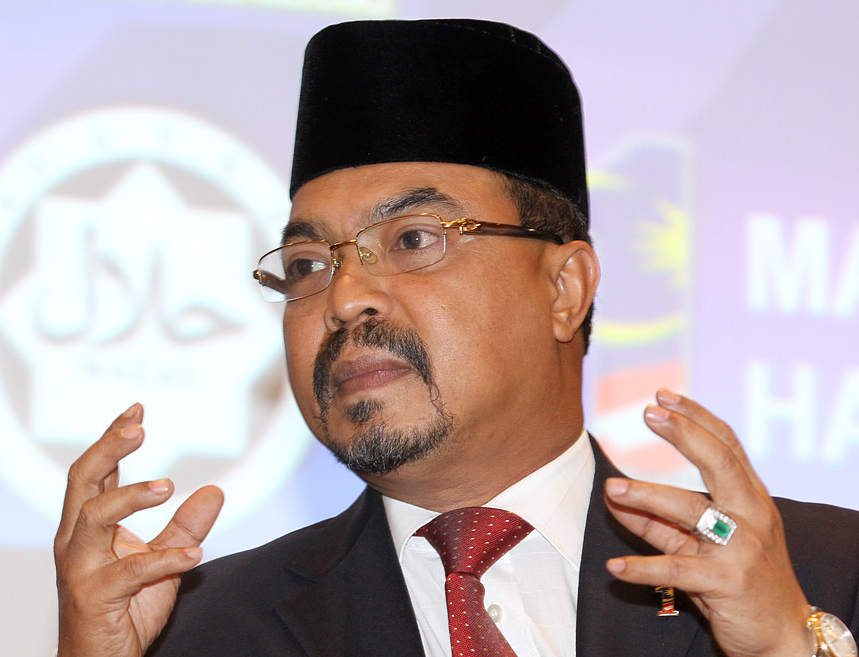 Islamic affairs minister Datuk Seri Jamil Khir Baharom said the government has been improving cooperation between religious authorities and security agencies towards groups that have been gazetted as deviant to enhance law enforcement. — Picture by Choo Choy May