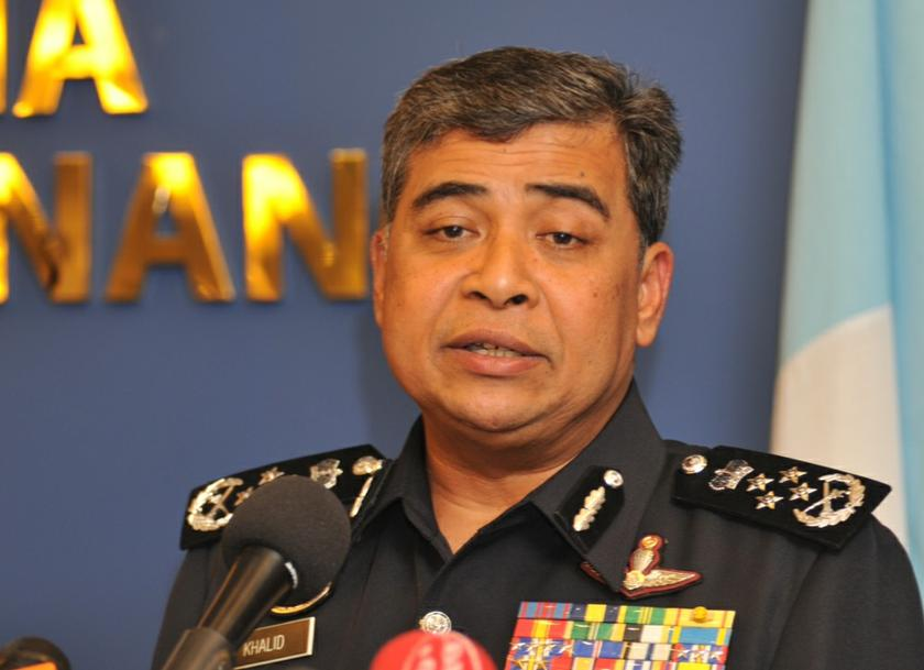 File picture shows Inspector General of Police Tan Sri Khalid Abu Bakar speaking to the press. — Picture by K.E. Ooi