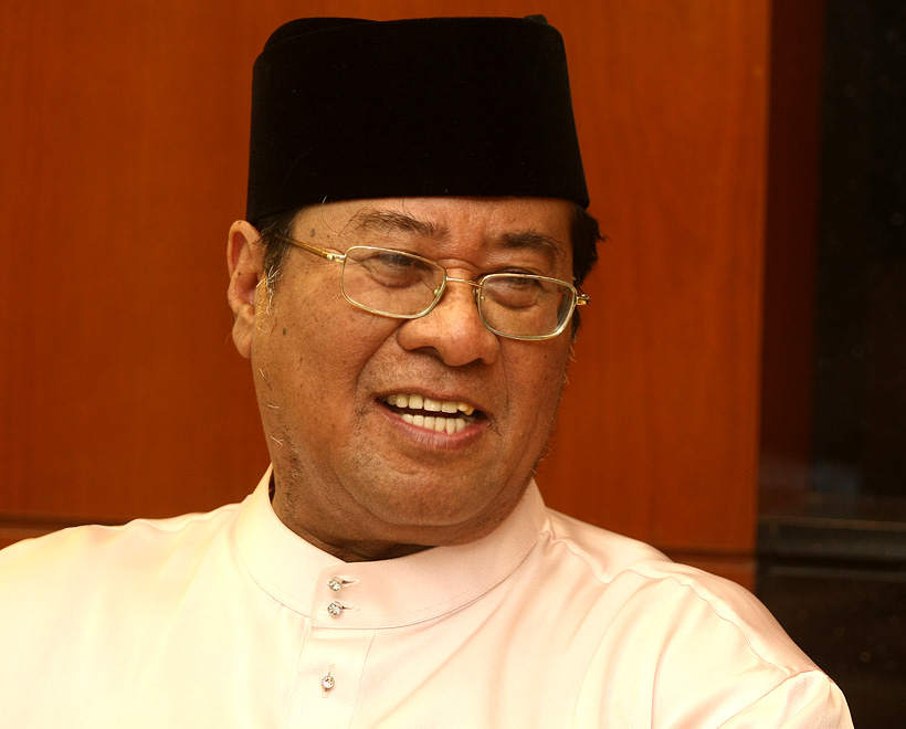Tan Sri Khalid Ibrahim says Selangor will infuse a new special purpose vehicle with RM14.92 billion in assets to manage the water restructuring exercise now finalised with Putrajaya. — file pic