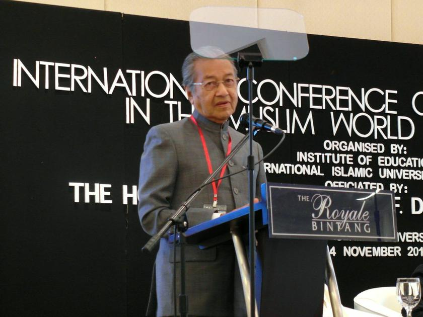 Dr Mahathir today called for a revamp of religious and moral studies, which he argued has failed in producing law-abiding citizens or employers with commendable work ethics. — Picture by Zurairi AR