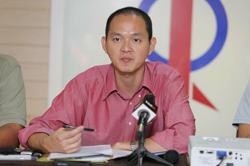 According to Ong, some of the seats in the three states - such as Tumpat (69,948 voters), Kuala Terengganu (65,900), Kuala Kedah (73,942), and Baling (72,387) already have a high number of voters but no seats were added despite that. – Picture by Choo Choy May