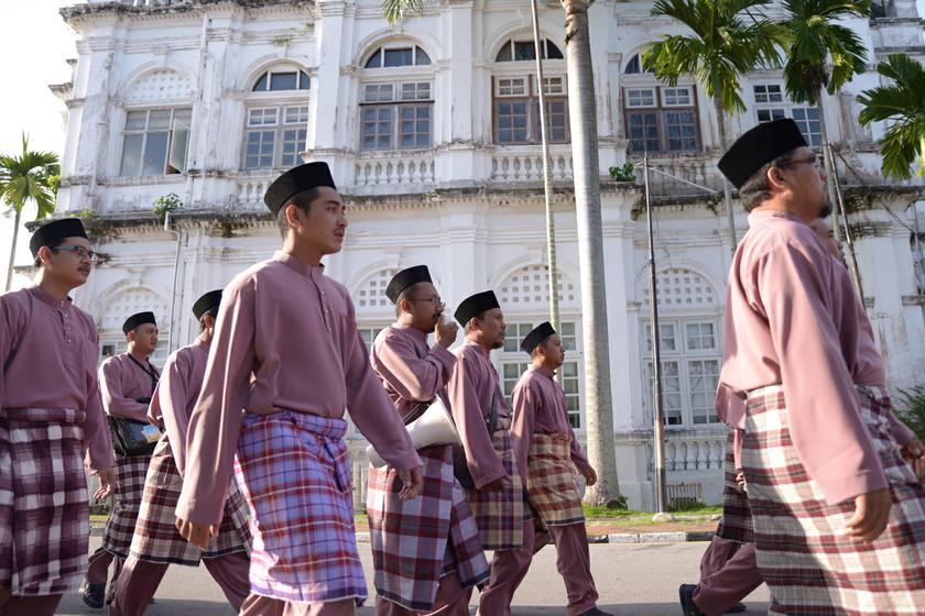 Muslim men in Malaysia receive on average 10.6 years of formal education and significantly above the national average. — Picture by K.E. Ooi