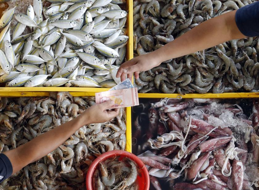 Finance Minister Lim Guan Eng admitted that the initial sales tax imposed on some basic seafood items was a blunder. — Reuters pic