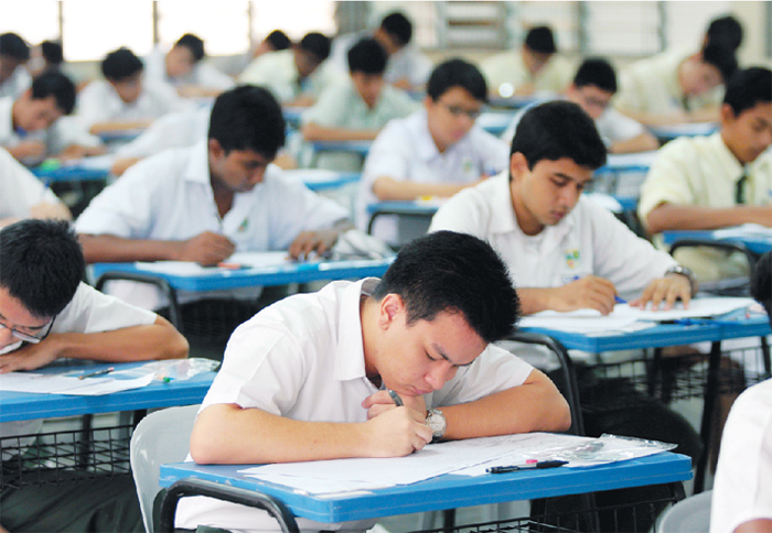 The DLP is set to be implemented at 300 national schools this year, giving students the option to study several subjects in English or Bahasa Malaysia. ― File pic
